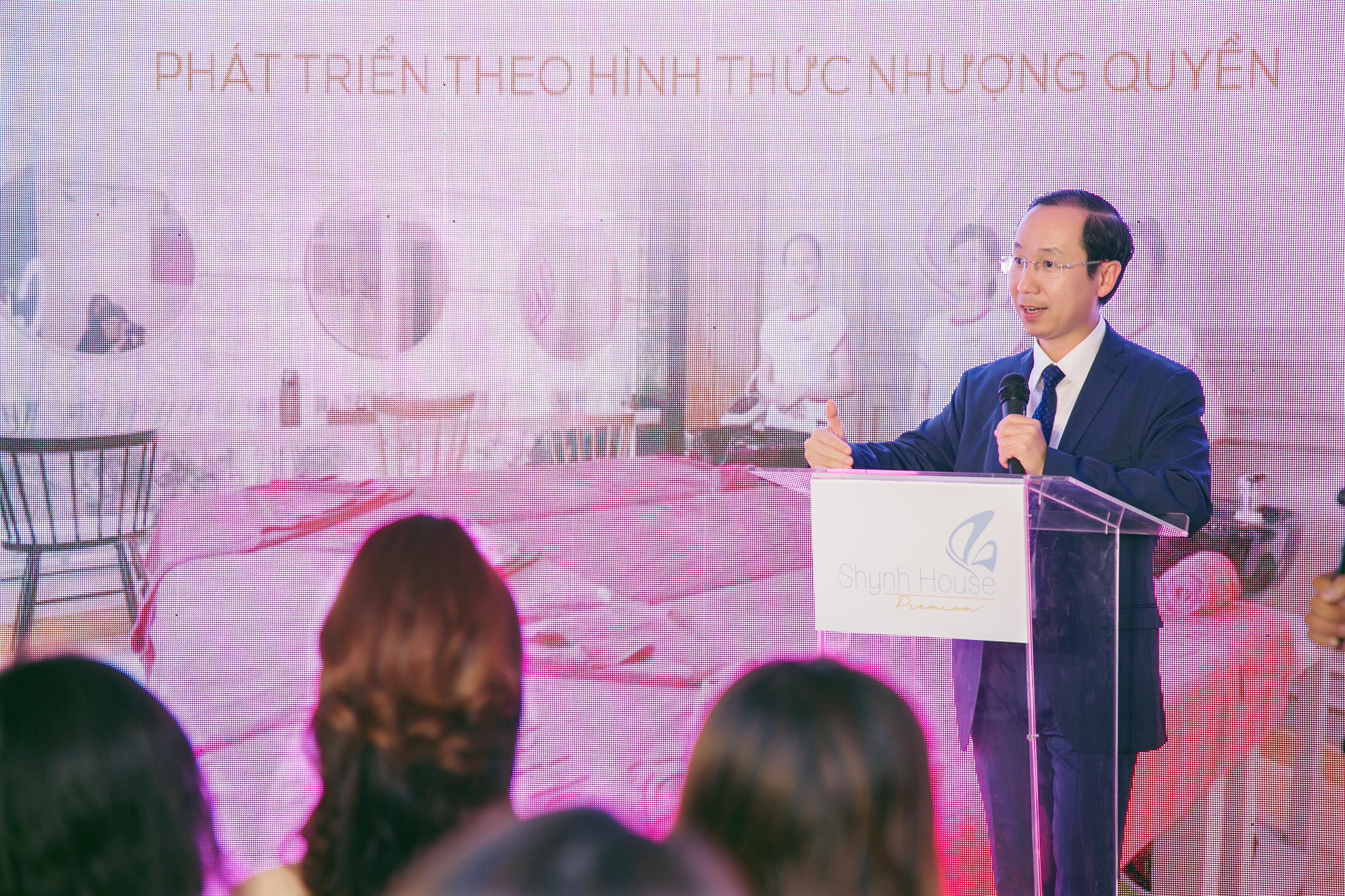TCBC-05-Francis Hung thanh vien HDQT